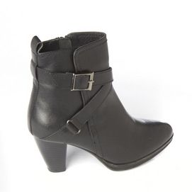 I Love Comfort®/MD Women's Waterproof Leather Boot With Criss-Cross Strap And Buckle Detail - Sears | Sears Canada #SearsWishlistWonderland Contest