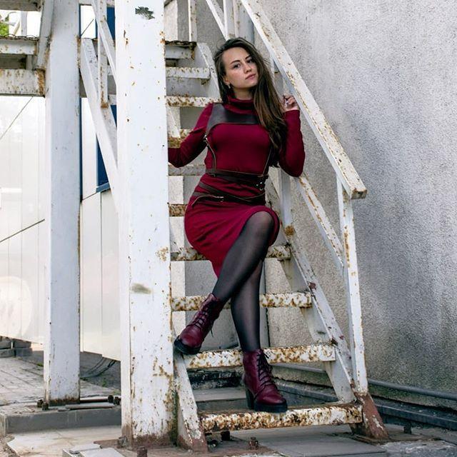 Моя девушка дома и на работе фото дмитрий савчук