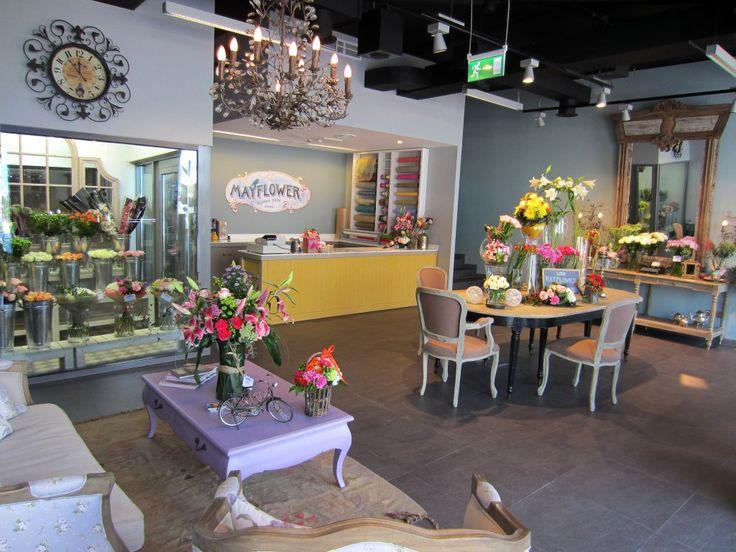 I love Mayflower flower shop in Dubai ♥