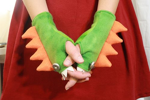 fingerless fleece monster gloves tutorial