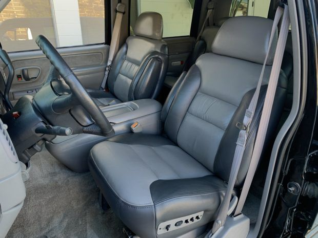 No Reserve 21k Mile 2000 Chevrolet Tahoe Limited In 2020 Chevrolet Tahoe Tahoe Chevrolet