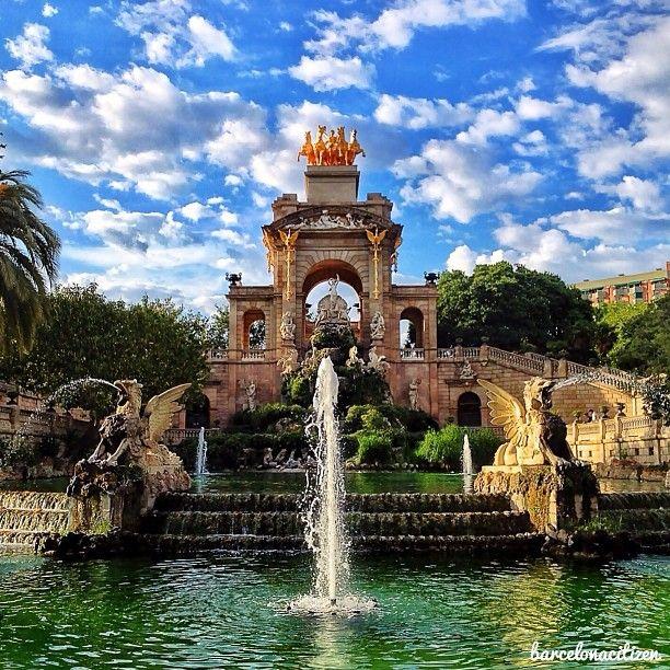 Parc de la Ciutadella, dónde poder pasear, ir en barca o disfrutar del sol tumbado en la hierba.