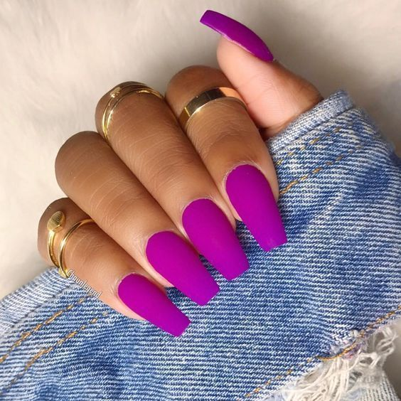 Take a look at our Coffin Acrylic Nail Ideas with different colors; Trend…   – Nägel
