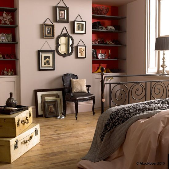 Mellow Mocha™ & Raspberry Bellini™ Bedroom