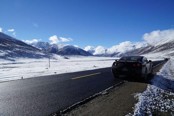 Nissan GT-R menuju ketinggian 5.380 mdpl, lokasi base camp Gunung Everest