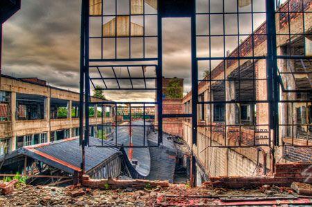 Detroit Ruins - Packard Plant 001 by tonylafferty01, via Flickr