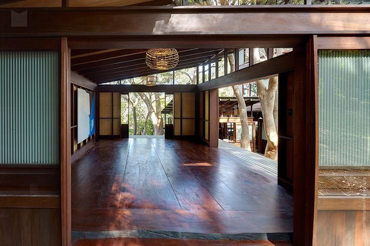 Modern House: Angophora House by Richard Leplastrier - 33 Bellevue Avenue, Avalon NSW 2107