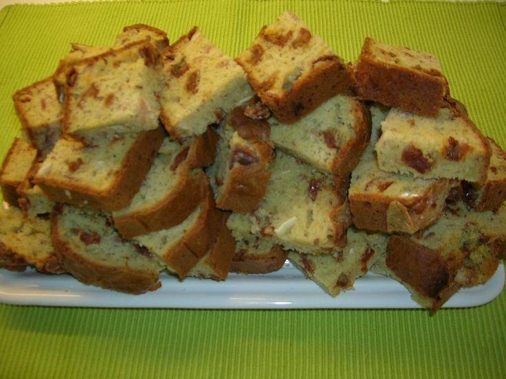 Cake sale à la méditerranéenne Maigrir 2000 : à servir en petits dés à l'apéritif, à emmener en pique nique ou au bureau. Cette recette vous est proposée par les nutritionnistes du réseau Maigrir 2000.
