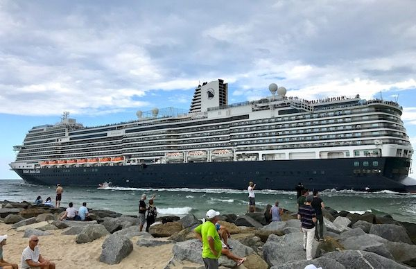 Holland America Lines' newest ship, the ms Koningsdam, wrapped up her inaugural Caribbean season this weekend as she steamed off to Europe.
