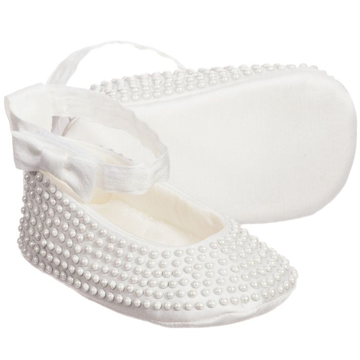 Monnalisa Bebe girls ivory pre-walker shoes made from a silky cotton blend covered with tiny studded pearls. With a padded insole, they fasten around the ankle with velcro to ensure they stay securely on little feet. These shoes come presented in a smart logo box making it an ideal gift for mummies and new babies.