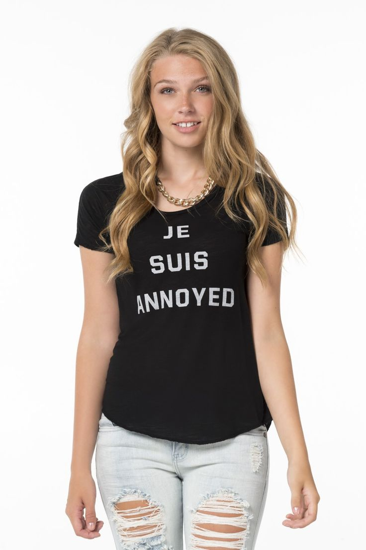 "Black ""Je Suis Annoyed"" Tee."