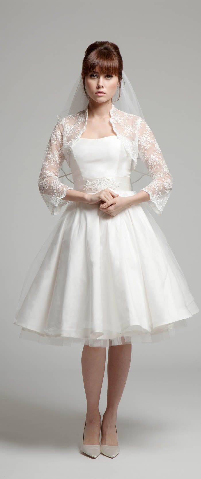 Fabulous Short Wedding Dress u Lace Bolero