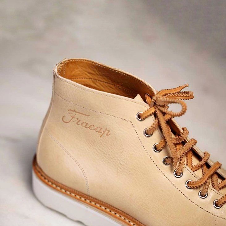 "Our MONKEY EITAN Boots in Natural leather and Natural Calf Leather Handstitched Guardolo.  Check out the ""Special edition"" section on www.fracap.it and get a pair of this unique style.  PayPal accepted,we deliver worldwide.  Man and woman size.  #fracap #handcrafted #madeinitaly #handmade #sneakers #musthave #fashion #beautiful #bloom #flykicks #fashion #shopping #igsneakercommunity #instagood #instakicks #instashoes #kicks #photooftheday #shoegasm #shoeporn #shoes"