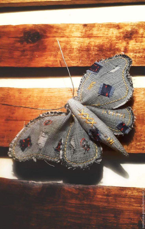 Купить Текстильная брошь джинсовая бабочка в заплатках - голубой, синий, джинсовый стиль, джинсовая брошь
