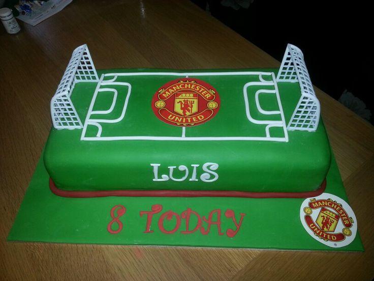 Boys football pitch cake #manchesterunited