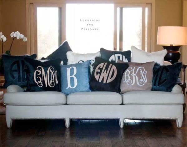 monogram pillowsDecor, Ideas, Iron On Vinyls, Monogram Pillows, Buntings Monograms, Monograms Pillows, Kyle Buntings, Throw Pillows, Couch Pillows