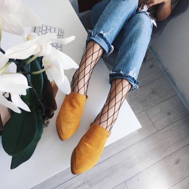 Мы хотим, чтобы тебе было очень хорошо, во всем 😇Поэтому есть предложение: купить колготки-сетка, надеть самые удобные джинсы и горчичные лоферы 😱И испытывать невероятное удовольствие 😘  Цена #marsalashoes: 4300 грн  Цена колготки-сетка: 200 грн