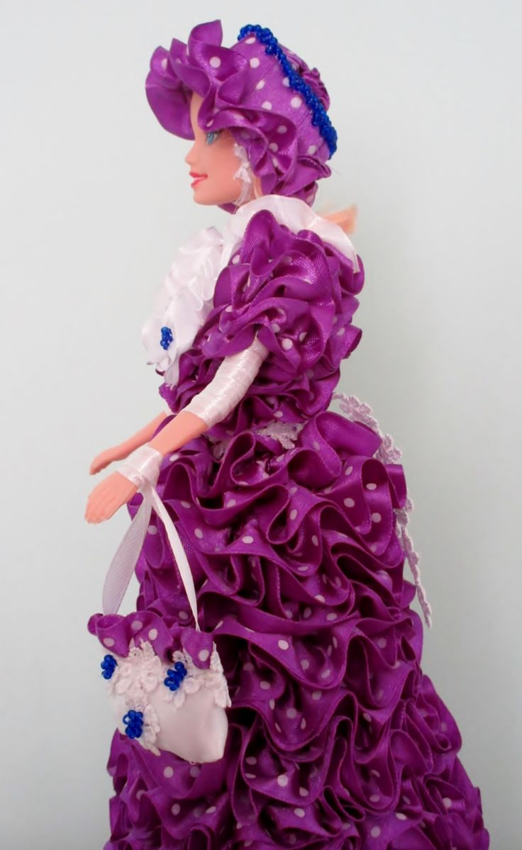 Violet with Polka Dots - from the side