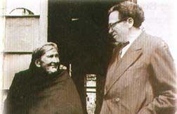 Luis B. Ramos con su madre Gumercinda Rodríguez, 1952.
