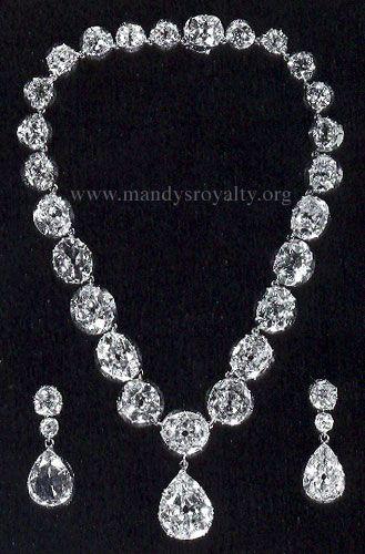 """""""The Ruffington Diamonds"""" - Queen Victoria's Colette Necklace."""