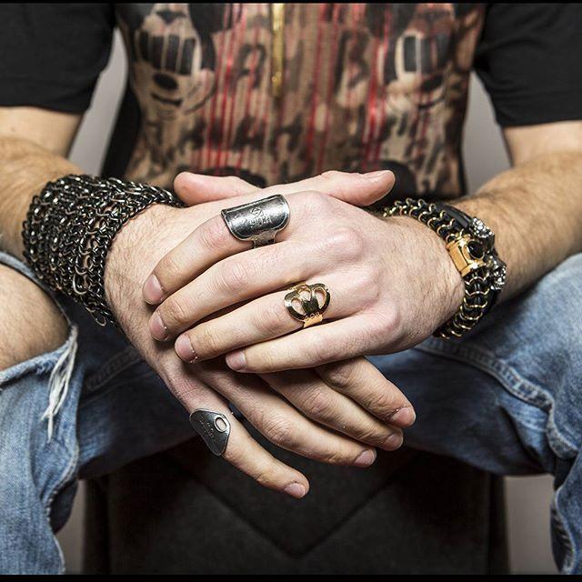 Not Usual Style  Ring and bracelet Man Collection  by Elena Estaun  graffistyle.com #bracelet #pulseras #ring #bronze #silver #man #style #elenaestaun #jewelry #design #graffistyle #luxury #street #fashion #look