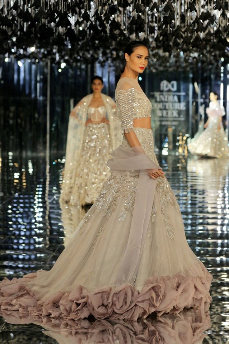 Manish Malhotra's collection presented bridal couture with a global appeal for a wider audience at ICW2017.#ICW2017https://www.perniaspopupshop.com/