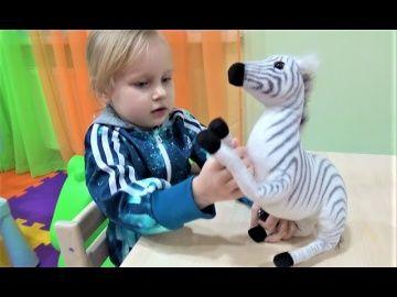 Классная детская комната Развлечения для детей Детский городок и много игрушек для детей http://video-kid.com/19714-klassnaja-detskaja-komnata-razvlechenija-dlja-detei-detskii-gorodok-i-mnogo-igrushek-dlja-dete.html  Классная детская комната Развлечения для детей Детский городок и много игрушек для детей Яркие ПОНЧИКИ для детей!!! Алиса модница и танцуля!!! Новая одежда для детей весна 2017!!! Алиса и Лёва в Зеркальном ЛАБИРИНТЕ Дом вверх дном и Домик ВЕЛИКАНА Развлечения для детей КЛАССНАЯ…