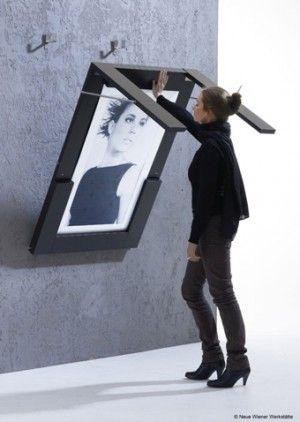 wat een super idee voor een kleine ruimte. Tafel aan de wand, lijkt net een schilderij.