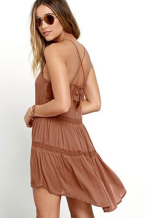 Amuse Society Linnea Brown Lace Dress at Lulus.com! Spring! I love a flowy dress this time of the year . Yami   http://www.Pash4Fash.com