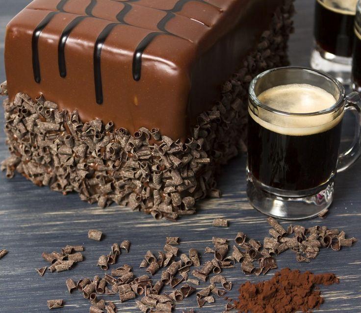 Prăjitură cu ciocolată și bere neagră de Sf. Patrick | Retete culinare - Romanesti si din Bucataria internationala