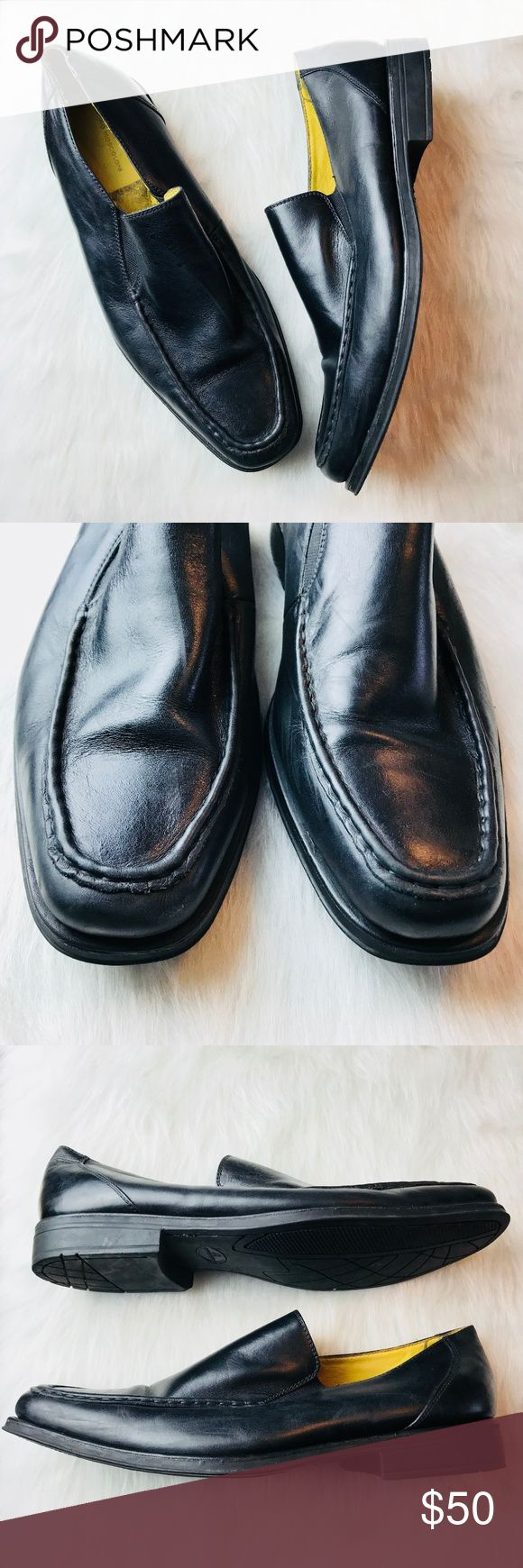Sandro Moscoloni Black Leather Loafers Pre-owned slip on loafers made in Brazil.  These soft leather shoes are size 13 D Sandro Moscoloni Shoes Loafers & Slip-Ons