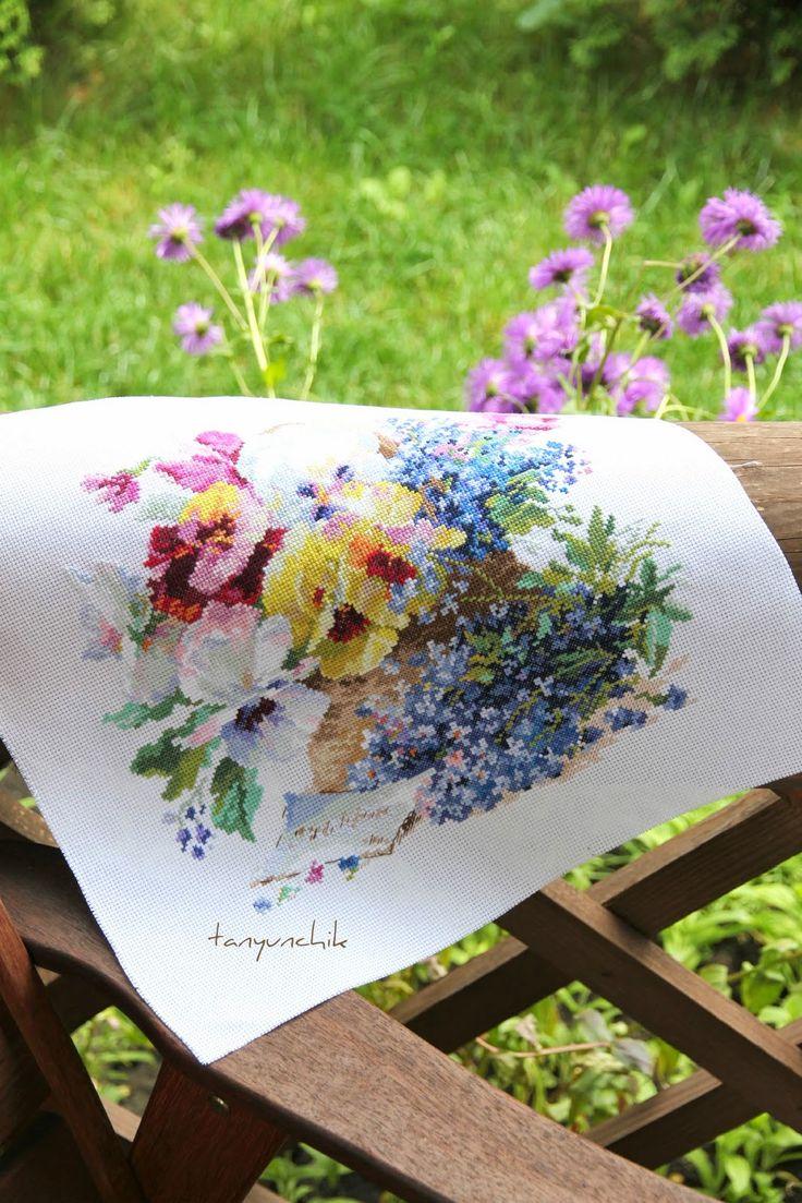 Я раскрашиваю будни крестиками: Цветное лето