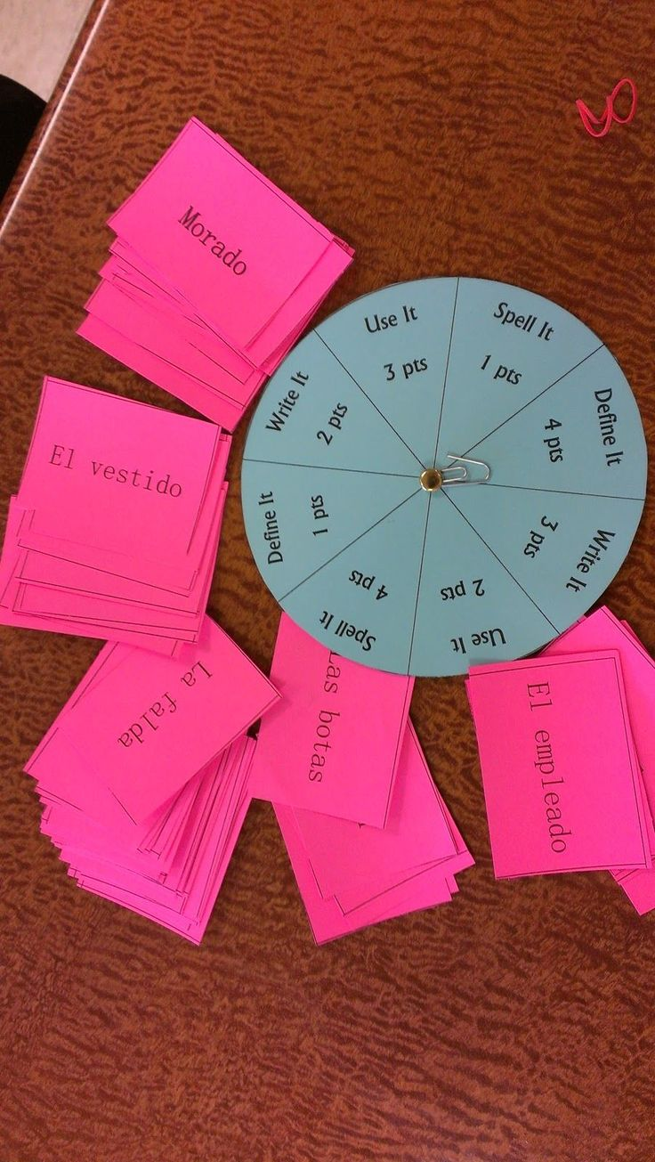 Great idea, but would use this for something other than Spanish. Use it in a sentence- spell it- define it-write it... different points for each. Could make a spinner or use dice. For students to play in groups. One person reads the card to the person who's turn it is