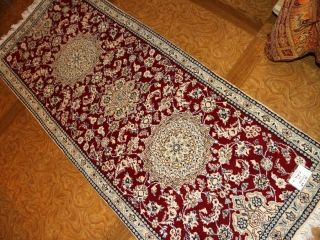 赤い色の手織りペルシャ絨毯キッチンマット55418、廊下敷き絨毯レッドカラー