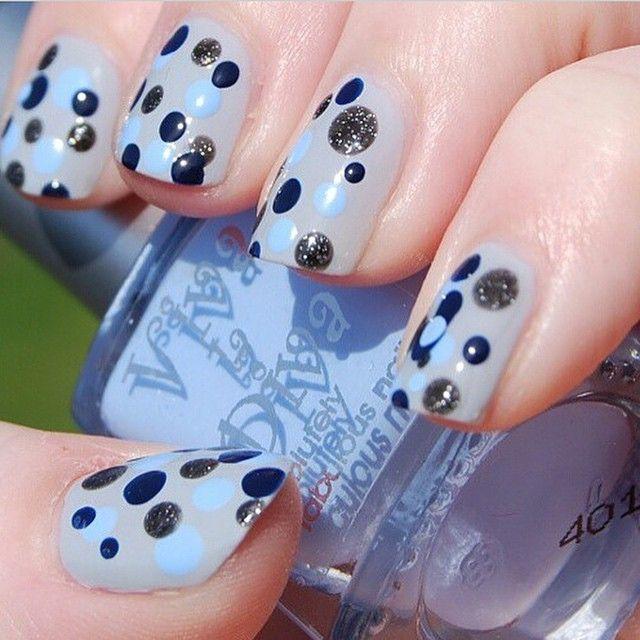 Cute nailart with Viva la Diva #nailpolish #matteopal #wallstreet #darkstar #powerful by @makeupbyhoni #vivaladiva @vivaladivacosmetics #nailart