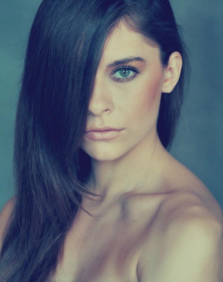 #Ana #portrait #green #eyes  #dark #hair #me