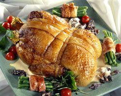 Canette farcie au foie gras et sa sauce aux morilles un beau plat de fêtes
