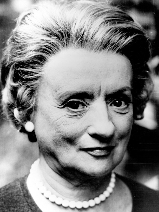Mildred Natwick.