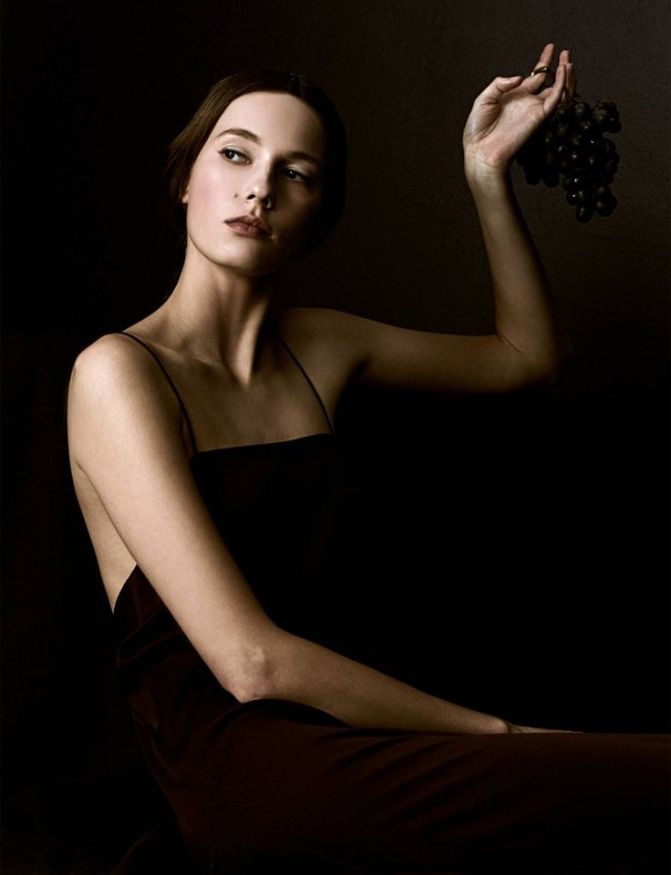 large_ed_ch_v4_khaite_resort_grapes