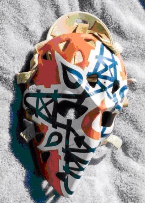 Love the criss-crossed oil derricks on Gary Edwards' Edmonton Oiler mask.