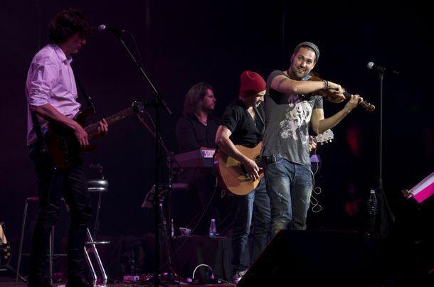 Jornal do Brasil - Heloisa Tolipan - Fenômeno alemão, violinista David Garrett conquista plateia do Vivo Rio. Vem!