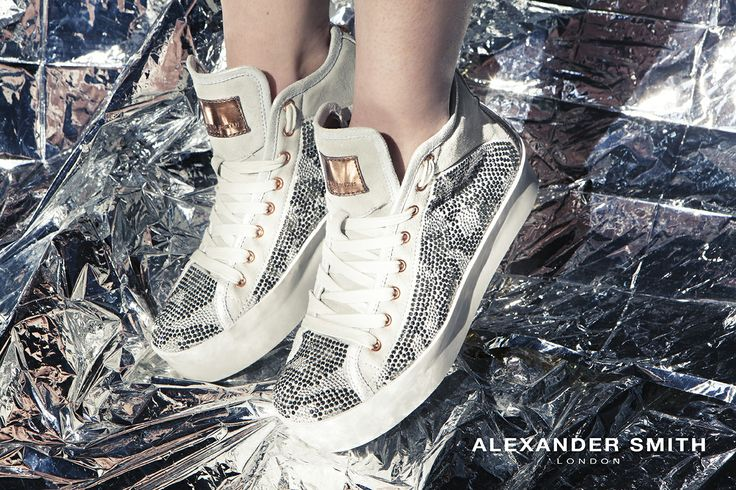 A235 Camo B/N. Metal flash, golden lightning and silver sparks: this is #AlexanderSmith new collection