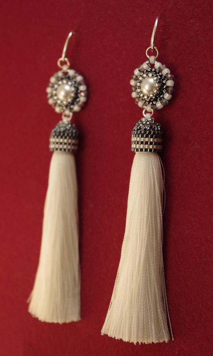 """Серьги-кисточки """"Првый снег"""" - украшения из бисера - beaded jewelry"""