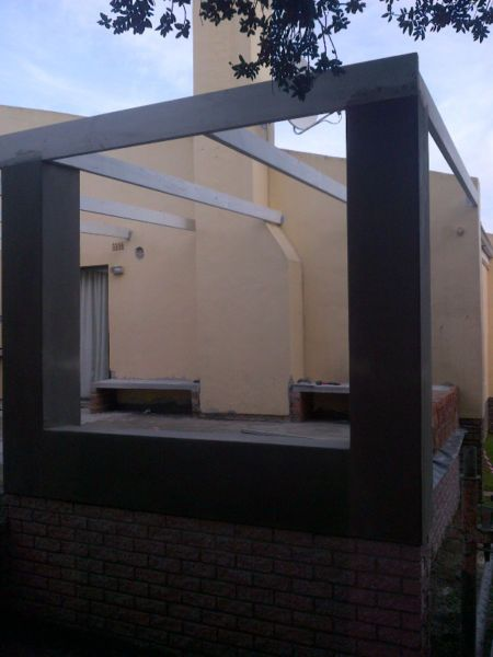 We are masters in plastering ,floor screeds and skimming in Helderberg and surrounding areas.Well known for neat and quality job,hard working,reliable and honest to all my clients .Contact on 0710376786 or email lzenda02@gmail.com.We bring your immagination to your door step at price offer.