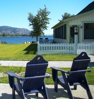 Lake front view at Veranda Beach | Osoyoos Lake Cottage Community & Vineyard