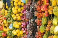 Diversidad de productos propios de la región que se comercializan en los mercados locales.