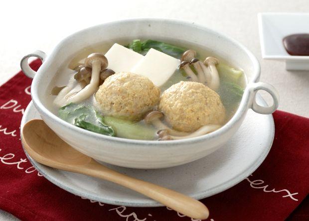 ふっくら鶏団子スープ鍋 (レシピNo.2123)|ネスレ バランスレシピ http://nestle.jp/recipe/recipe/2100_2199/02123 他のメニューも掲載中 http://p.nestle.jp/pint_recipe/
