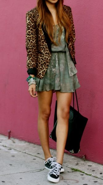 Leopard print blazer: Light Pink Blazers, Creative Pairings, Leopards Prints Sneakers, Daily Outfits, Street Style, Prints Blazers, Conver Dresses Outfits, Dresses And Sneakers, Animal Prints