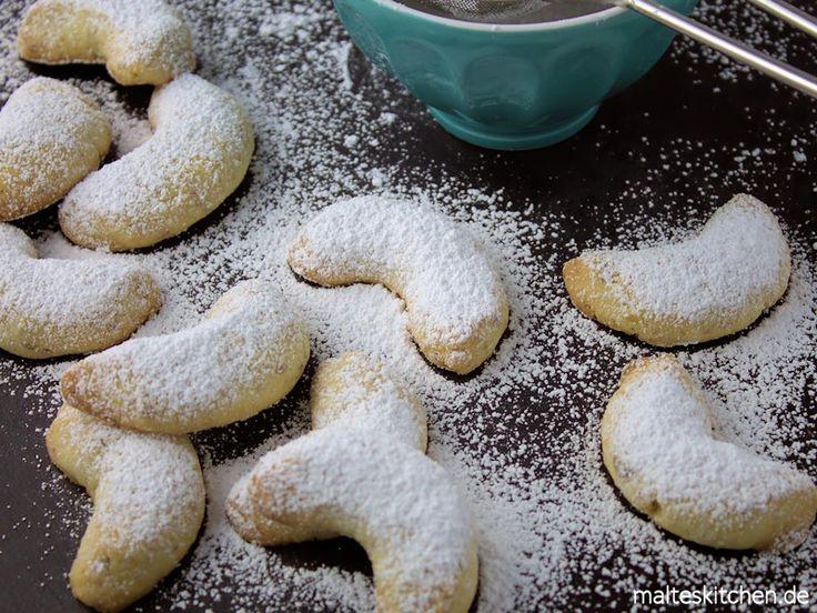 Rezept für sehr leckere Ingwerkipferl, die super als Weihnachtsplätzchen taugen. In den Teig der Kipferln kommt kandierter Ingwer, der ein tolles Aroma vergibt.