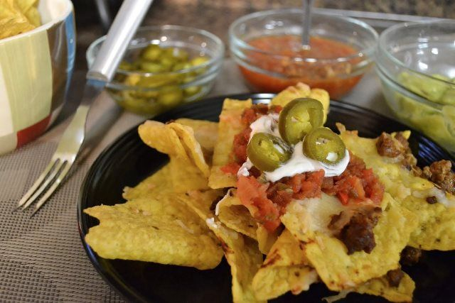 Rada Cutlery: How to make Chili Rojo Nachos | Savory Snacks